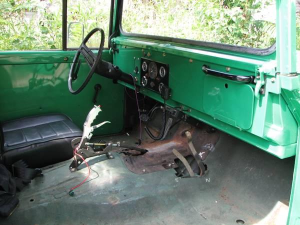 Kaiser Interior on Jeep M715 Engine Swap